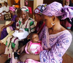 Malien women and babies